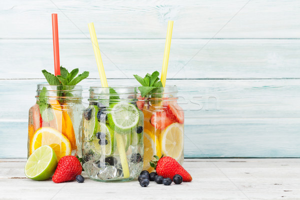 Fresche limonata jar estate frutti frutti di bosco Foto d'archivio © karandaev