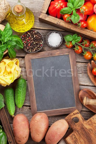 świeże ogród pomidory ogórki makaronu gotowania Zdjęcia stock © karandaev