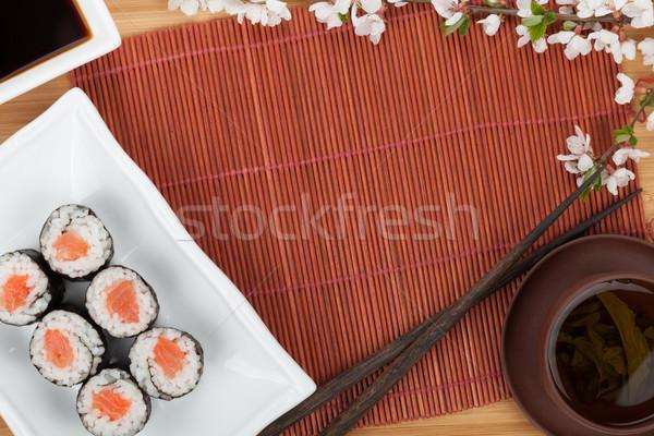 Comida japonesa fresco sakura ramo bambu tabela Foto stock © karandaev