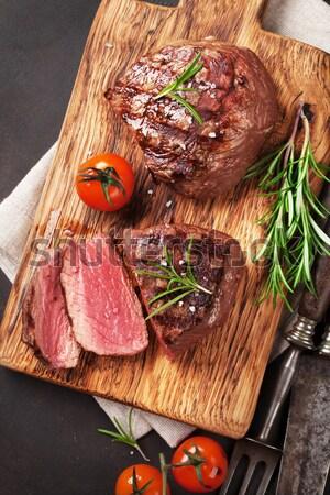 Stockfoto: Gegrild · biefstuk · rosmarijn · zout · peper · wijn