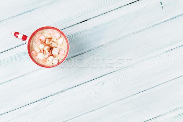 Chocolate quente marshmallow mesa de madeira topo ver cópia espaço Foto stock © karandaev