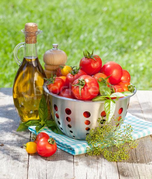 ストックフォト: 新鮮な · トマト · オリーブオイル · ボトル · 唐辛子
