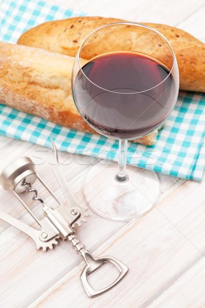 Foto stock: Vinho · tinto · pão · branco · mesa · de · madeira · comida · fundo
