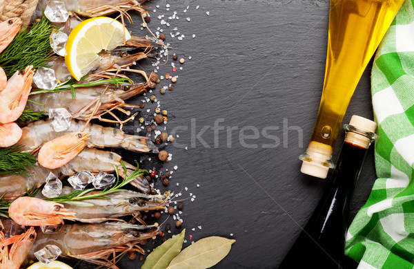 Friss garnélák fűszer fűszerek fekete kő Stock fotó © karandaev