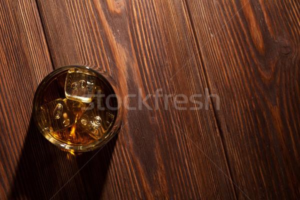 Glas whiskey ijs hout houten tafel top Stockfoto © karandaev