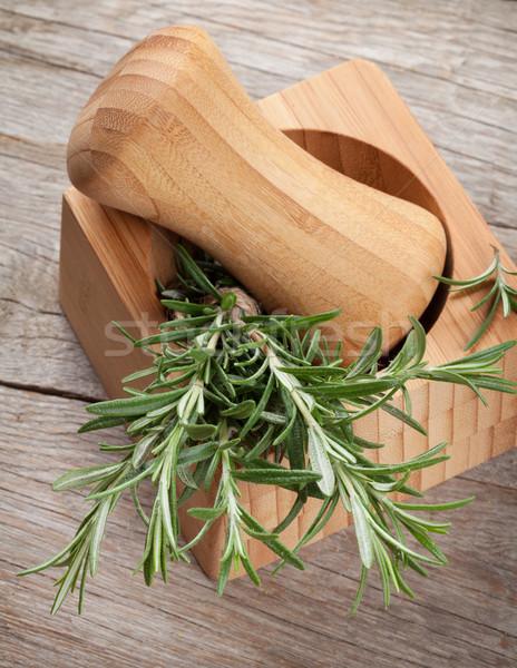 Vers tuin rosmarijn houten tafel groene plant Stockfoto © karandaev