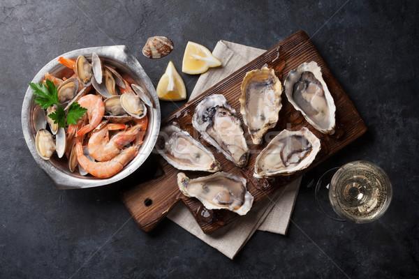 свежие морепродуктов белое вино каменные таблице Сток-фото © karandaev