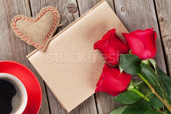 ストックフォト: バレンタインデー · 手紙 · コーヒーカップ · 赤いバラ · 木製 · 先頭