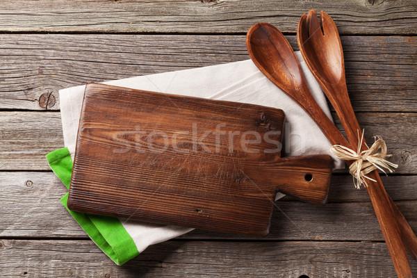 Tagliere asciugamano legno tavolo da cucina top Foto d'archivio © karandaev