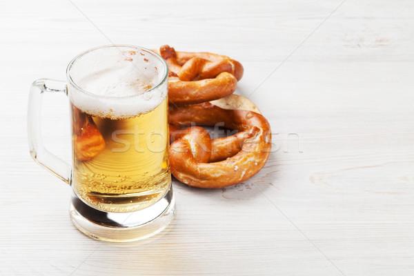 Bière bretzel table en bois verre fond Photo stock © karandaev