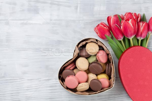 Stockfoto: Rood · tulp · bloemen · boeket · hart · geschenkdoos
