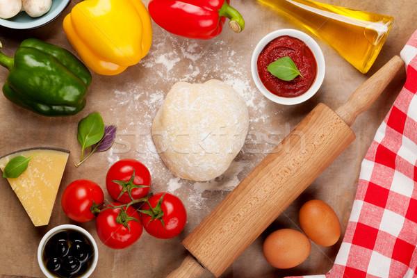 Pizza főzés hozzávalók zöldségek fűszer étel Stock fotó © karandaev