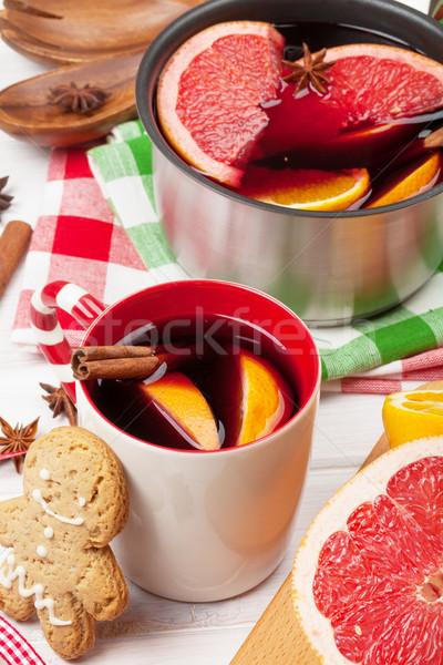 Navidad vino mesa de madera primer plano alimentos hombre Foto stock © karandaev