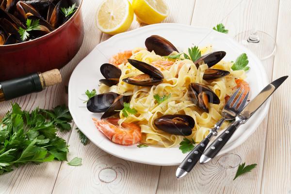 Tészta tengeri hal fehérbor fa asztal étel fa Stock fotó © karandaev