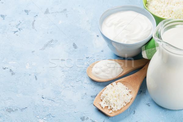 Milchprodukte Stein Tabelle Sauerrahm Milch Käse Stock foto © karandaev