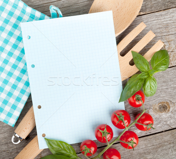 Jegyzettömb papír receptek paradicsomok bazsalikom fa asztal Stock fotó © karandaev