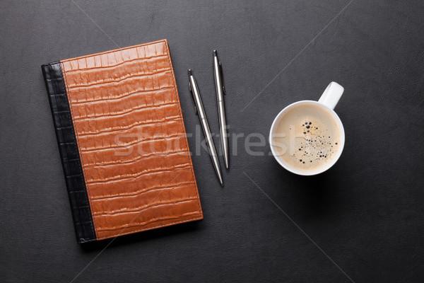 Biuro tabeli notatnika kawy pióro farbują Zdjęcia stock © karandaev