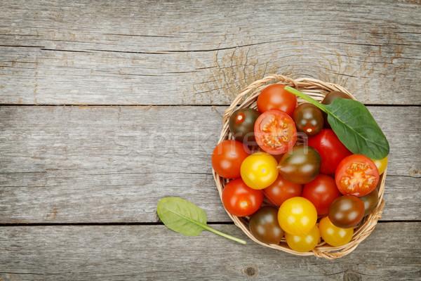 Renkli kiraz domates ahşap masa bo ahşap yaprak Stok fotoğraf © karandaev