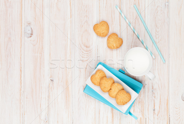 Stok fotoğraf: Fincan · süt · kalp · kurabiye · notepad