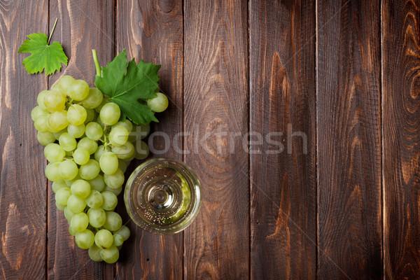Wijnglas druiven houten tafel top exemplaar ruimte Stockfoto © karandaev