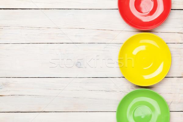 Stok fotoğraf: Renkli · plakalar · beyaz · ahşap · masa · bo · gıda