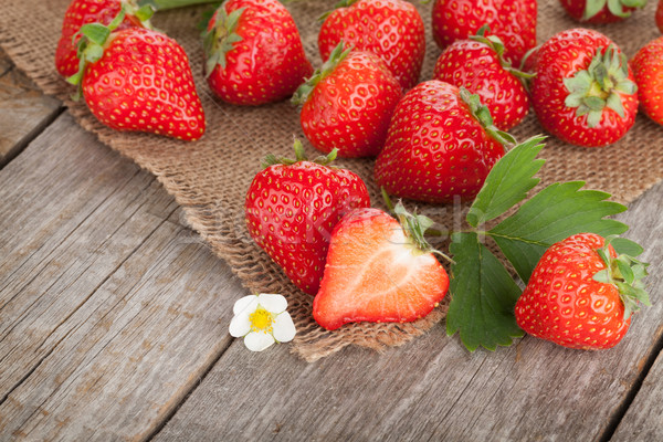 Fresh strawberry Stock photo © karandaev