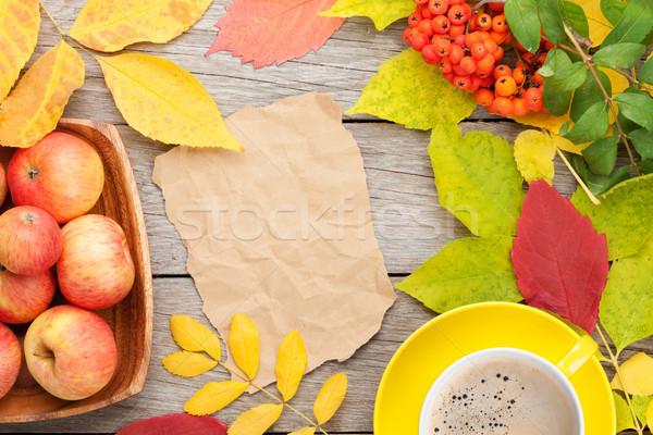 紅葉 リンゴ 果物 コーヒーカップ 木材 コピースペース ストックフォト © karandaev