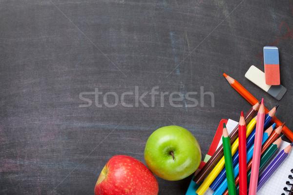 Przybory szkolne tablicy jabłka górę widoku kopia przestrzeń Zdjęcia stock © karandaev
