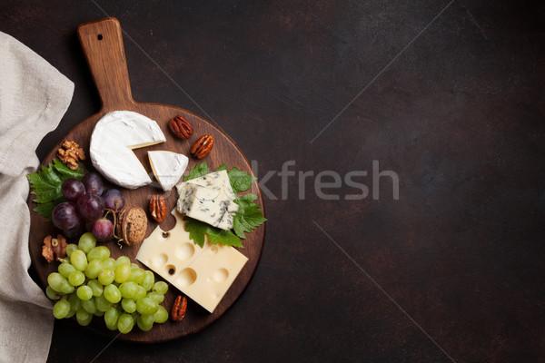 ストックフォト: チーズ · プレート · ブドウ · ナッツ · 先頭 · 表示