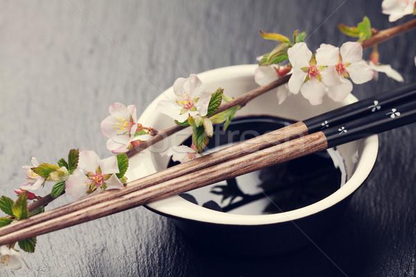 Japoński sushi pałeczki do jedzenia sos sojowy puchar sakura Zdjęcia stock © karandaev