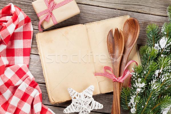 Pişirmek kitap ahşap masa Noel pişirme Stok fotoğraf © karandaev