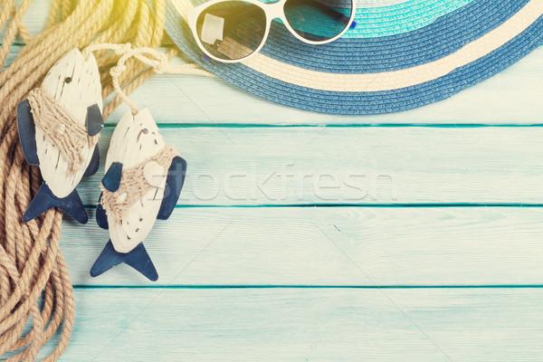 Strand Zubehör Sonnenhut Sonnenbrillen Holz top Stock foto © karandaev