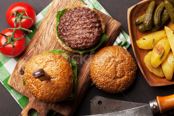 ízletes grillezett házi marhahús paradicsom sajt Stock fotó © karandaev