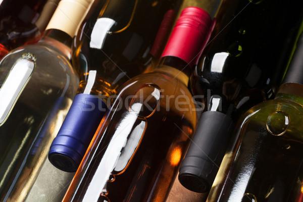 красную розу белое вино бутылок каменные таблице Top Сток-фото © karandaev