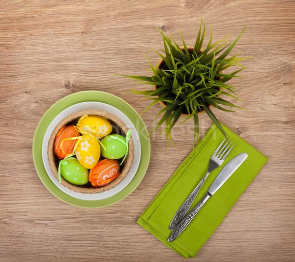 œufs de Pâques argenterie fleur table en bois alimentaire heureux Photo stock © karandaev