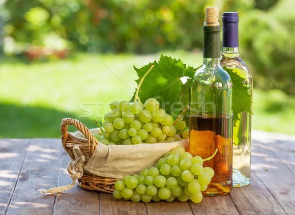 белое вино бутылок винограда виноград Открытый Сток-фото © karandaev
