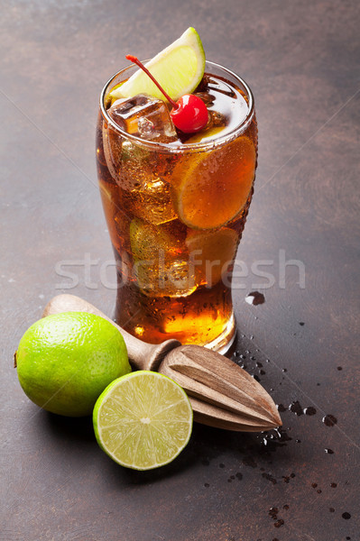 Cocktail vetro buio pietra tavola party Foto d'archivio © karandaev