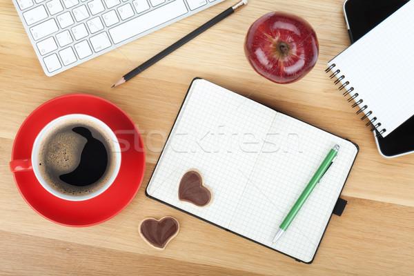 Stockfoto: Koffiekopje · cookies · rode · appel · houten · tafel · business