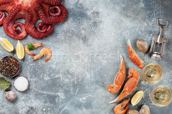 Fruits de mer poulpe homard cuisson haut vue Photo stock © karandaev