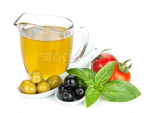 Verde azeitonas pretas azeite manjericão tomates isolado Foto stock © karandaev