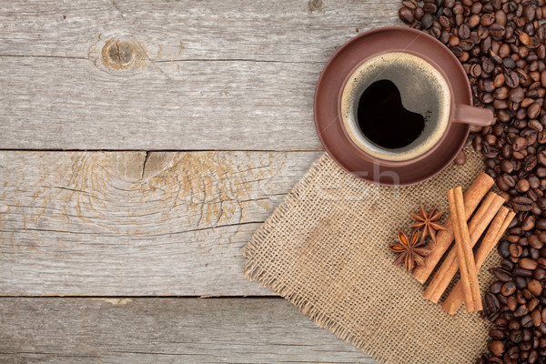 Xícara de café temperos mesa de madeira textura cópia espaço Foto stock © karandaev