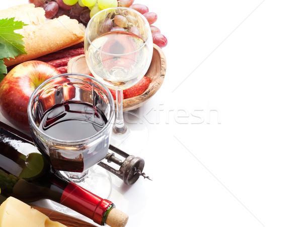 Kırmızı beyaz şarap üzüm peynir sosis ekmek Stok fotoğraf © karandaev