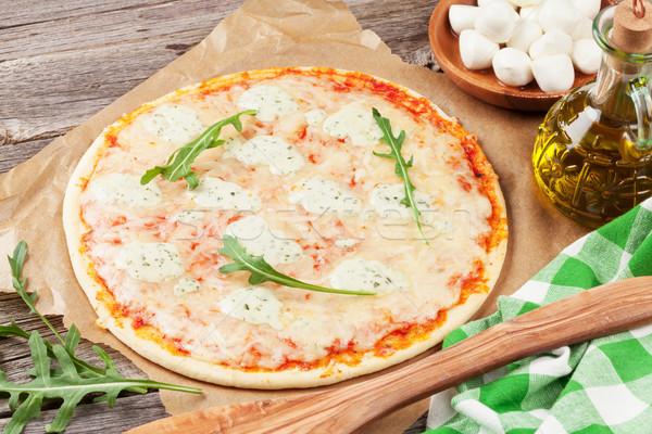 Pizza sałata drewniany stół drewna ser oleju Zdjęcia stock © karandaev