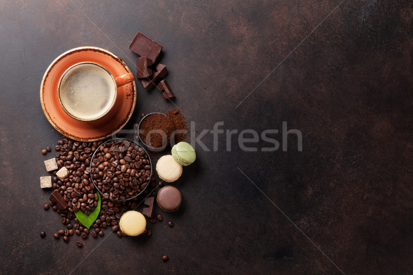 ストックフォト: コーヒーカップ · 豆 · チョコレート · 石 · 先頭 · 表示
