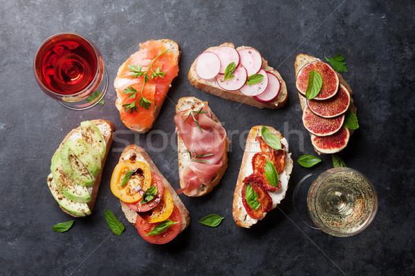 スペイン語 タパス セット ワイン 伝統的な 前菜 ストックフォト © karandaev