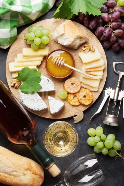 Foto stock: Vino · de · uva · queso · miel · vino · blanco · placa