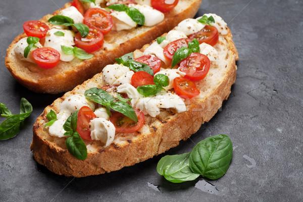 Caprese bruschetta kiraz domates mozzarella fesleğen uzay Stok fotoğraf © karandaev