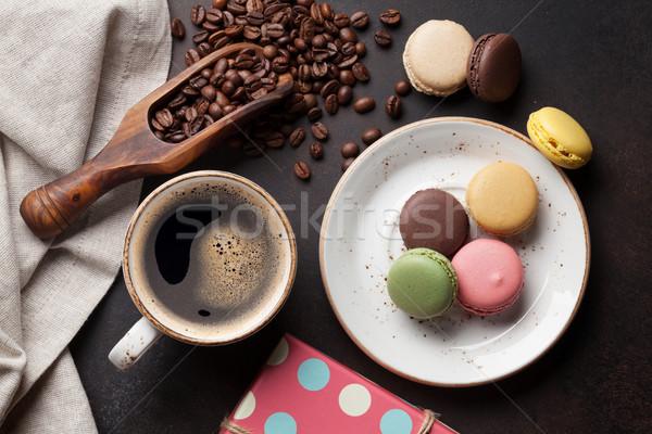 Kahve çikolata eski mutfak masası kahve fincanı fasulye Stok fotoğraf © karandaev