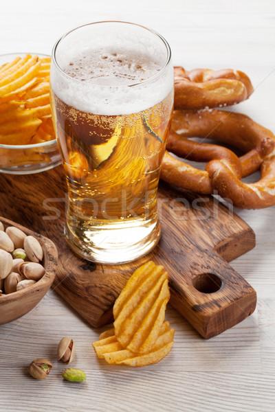 Stok fotoğraf: Alman · birası · bira · ahşap · masa · fındık · cips