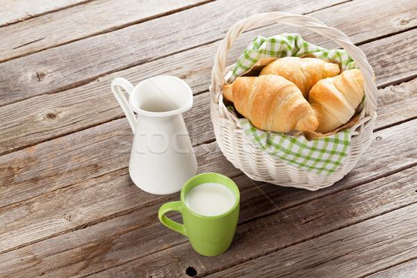 Stockfoto: Vers · croissants · melk · mand · houten · tafel · tabel